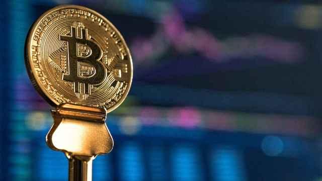 El bitcoin es una alternativa más barata, más eficiente y global frente a las monedas tradicionales.