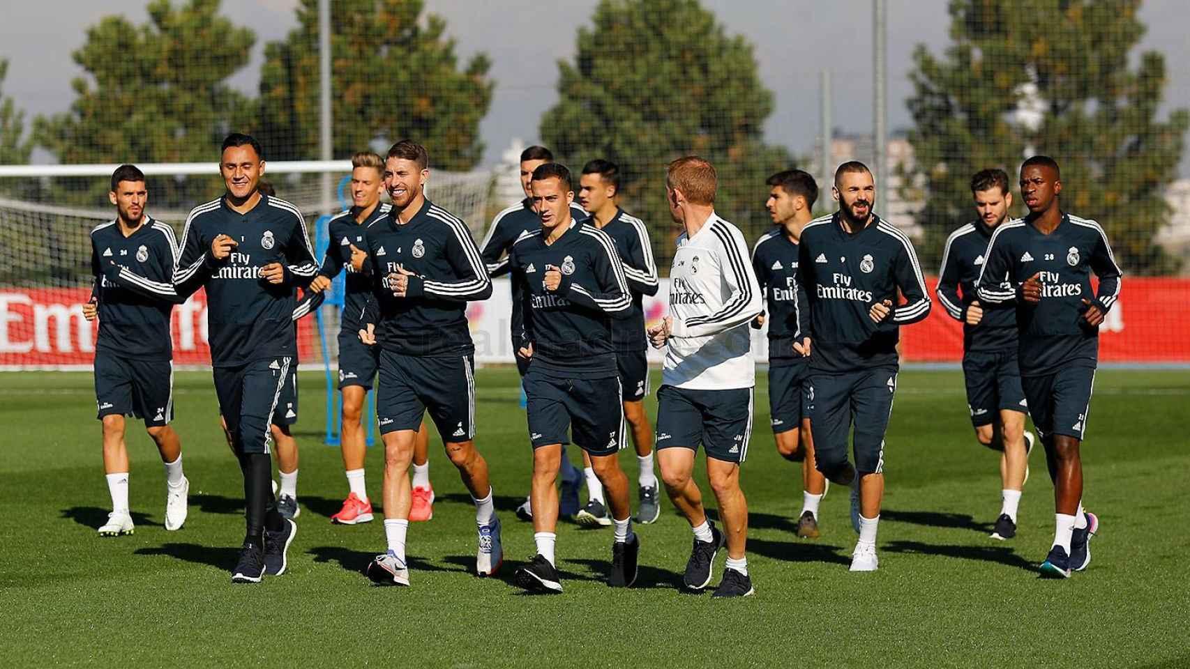 Los jugadores del Real Madrid en el entrenamiento posterior al Melilla - Real Madrid