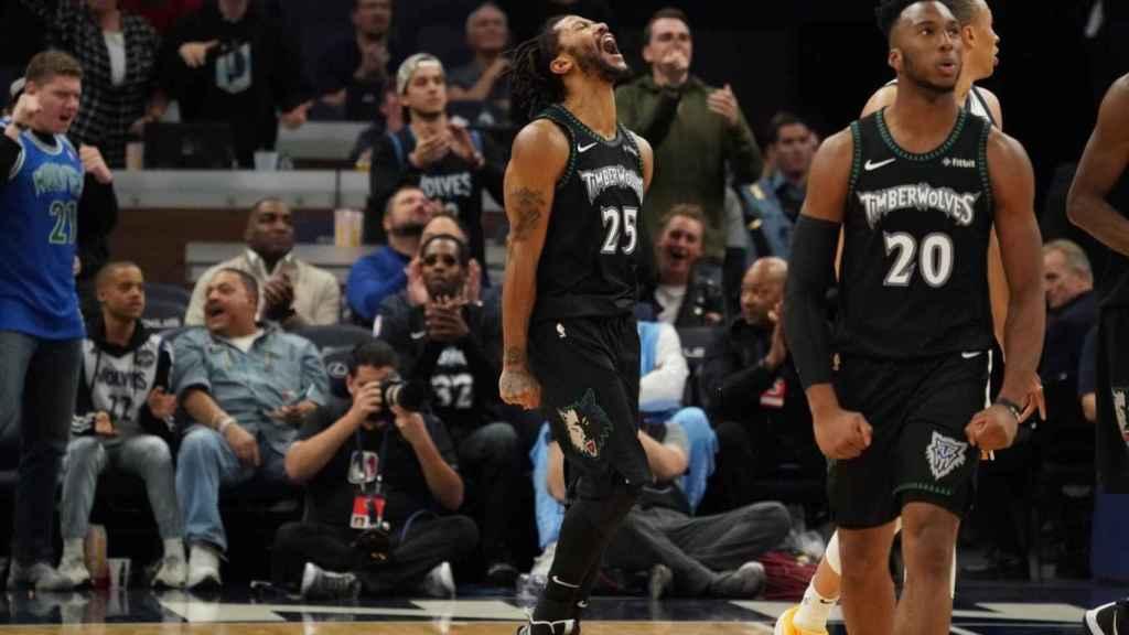 Derrick Rose celebra una canasta contra Utah Jazz. Foto: Twitter (@Timberwolves)