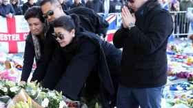 La familia de Vichai Srivaddhanaprabha, a las puertas del King Power Stadium. Foto: Instagram (@lcfc)