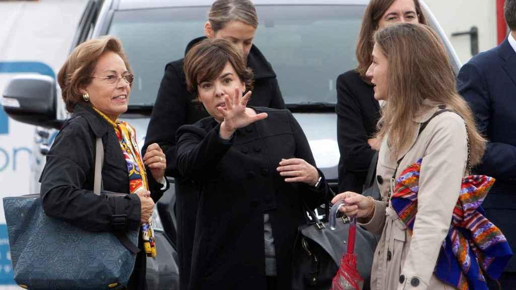 Soraya Sáenz de Santamaría, entre los asistentes al funeral del padre de Mariano Rajoy.