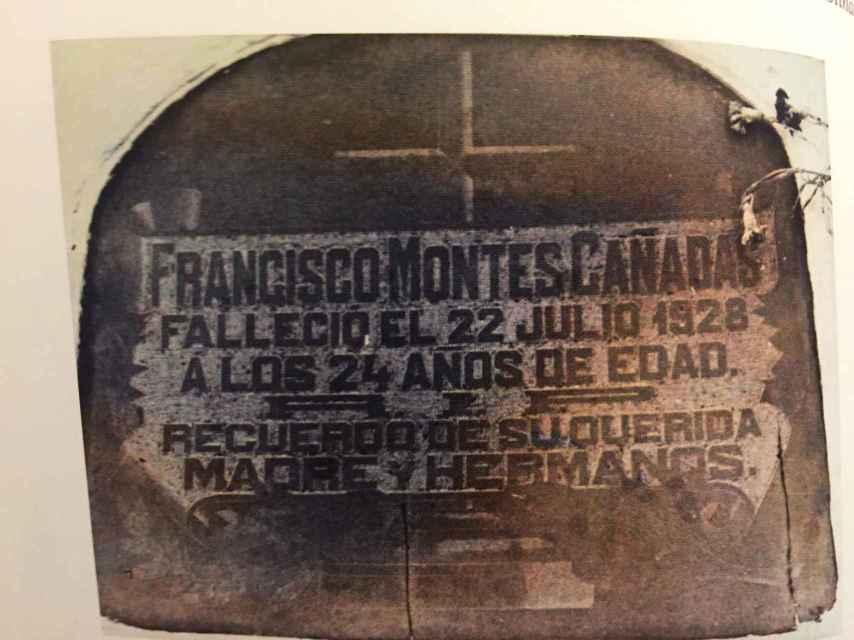 La antigua tumba de Curro Montes. Actualmente sus restos yacen en otro nicho, con otros miembros de su familia.
