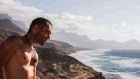 Álvaro Vizcaíno, el surfista que luchó contra la muerte y cuya historia se llevó al cine