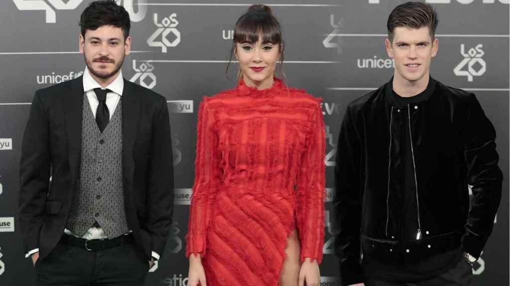 Luis Cepeda, Aitana Ocaña y Miguel Bernardeau, en Los40 Music Awards.