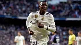 Vinicius celebra el primer gol al Valladolid
