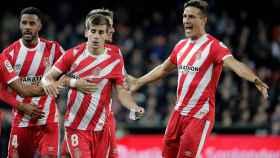 Los jugadores del Girona celebran el gol al Valencia