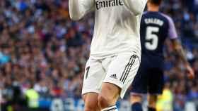 Gareth Bale se lamenta de una ocasión fallada