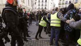 Radicales increpan a los constitucionalistas en Alsasua.