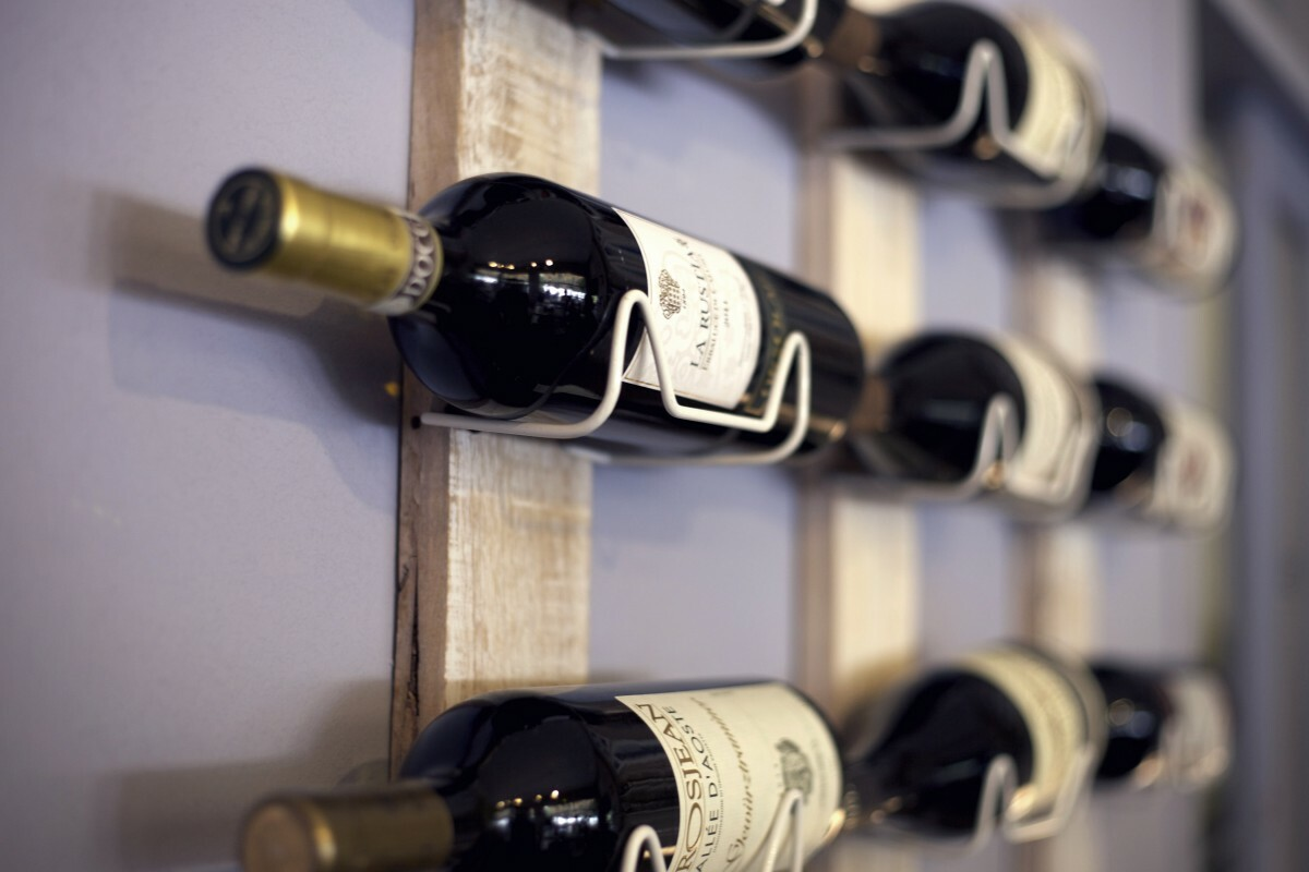 wine_rack_shelf_wine_beverages_bottles_wine_bottles_alcohol_rack-1094503