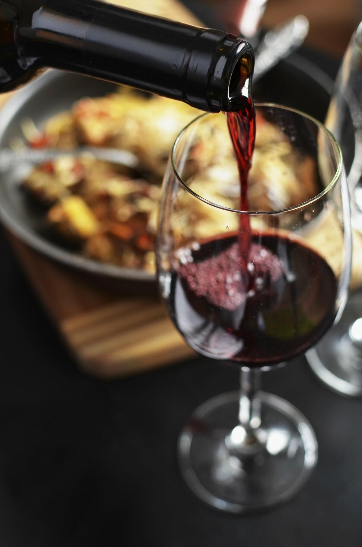 wine_red_bottle_drink-871581