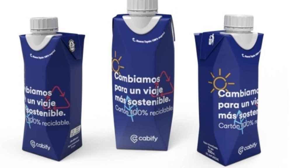 Imagen de los nuevos envases de agua de Cabify.