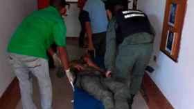 Uno de los militares heridos en el enfrentamiento.
