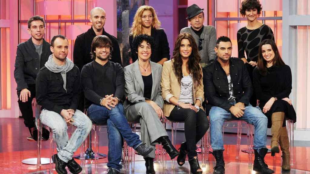 Pilar Rubio junto a Nina, Manu Guix y otros componentes de 'OT' en 2011.