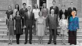 De izquierda a derecha, y de arriba abajo: Irene Urdangarin, Victoria Federica Marichalar, Froilán Marichalar, la infanta Elena, la infanta Cristina, Juan Valentín Urdangarin, Miguel Urdangarín, Pablo Nicolás Urdangarin, la princesa Leonor, la reina Letizia, el rey Felipe VI, la reina Sofía, el rey Juan Carlos I, la infanta Sofía e Irene de Grecia.
