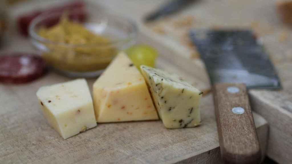 Los productos fermentados como yogures y quesos tienen menos cantidad de lactosa