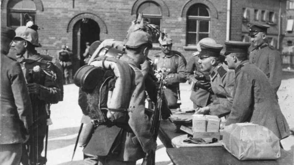 Soldados alemanes en Berlín recién movilizados, en 1914.