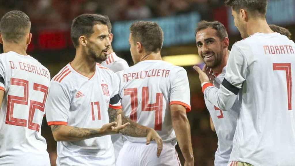 Suso celebra junto a Paco Alcácer un gol