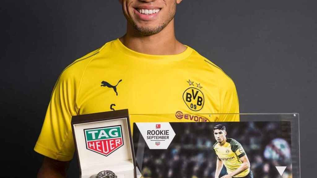 Achraf Hakimi, mejor novato de la Bundesliga. Foto: Twitter (@AchrafHakimi)