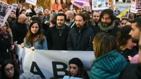 Pablo Iglesias, junto a Alberto Garzón, durante la protesta.