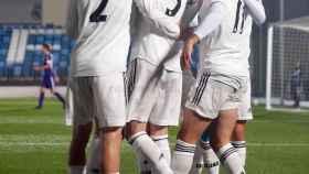 El equipo hace piña para celebrar un gol