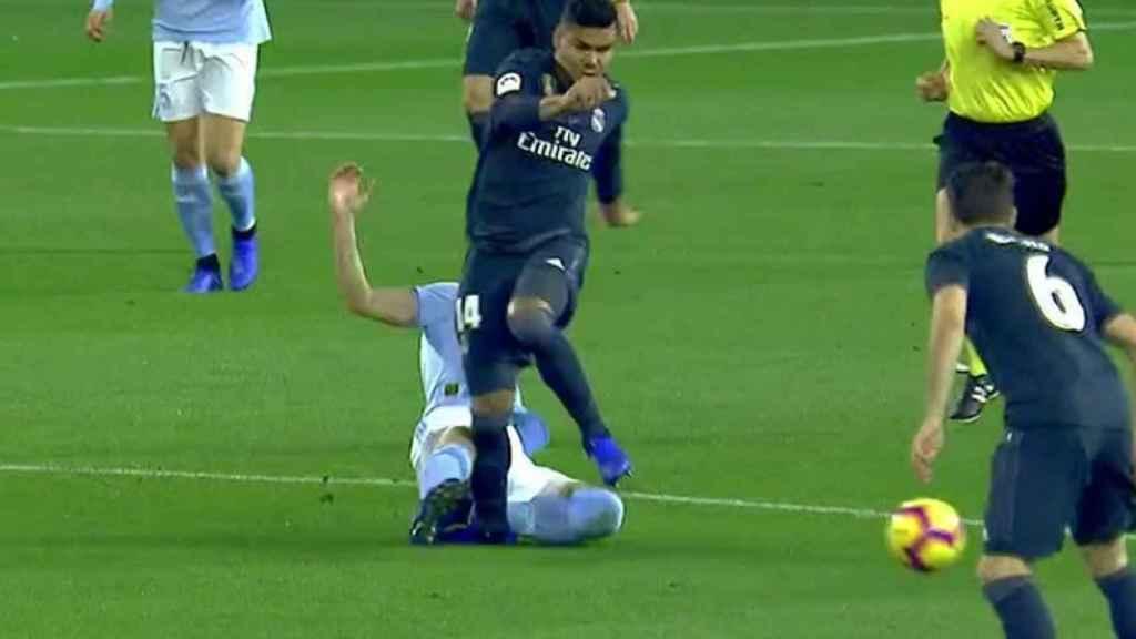 Casemiro, lesionado contra el Celta. Foto: Twitter (@elchiringuitotv)
