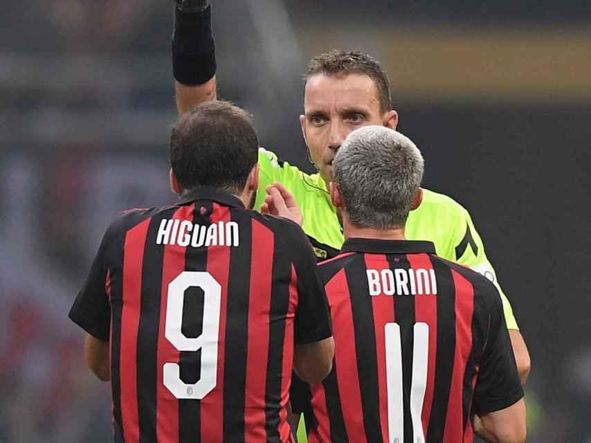 Higuaín frente al Milan