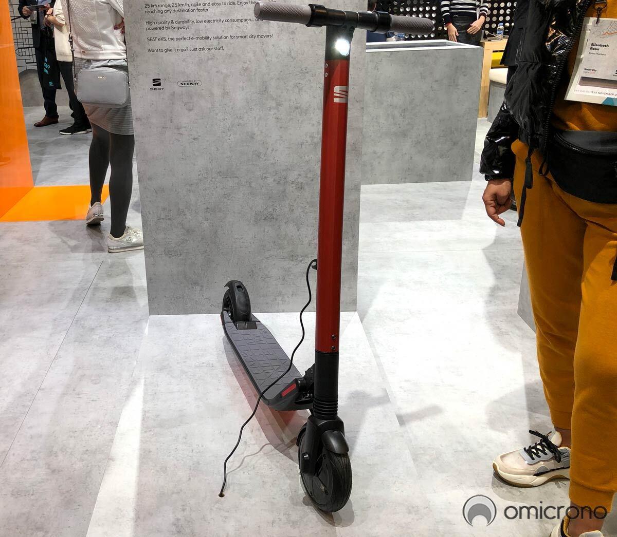Probamos el patinete eléctrico SEAT eXS
