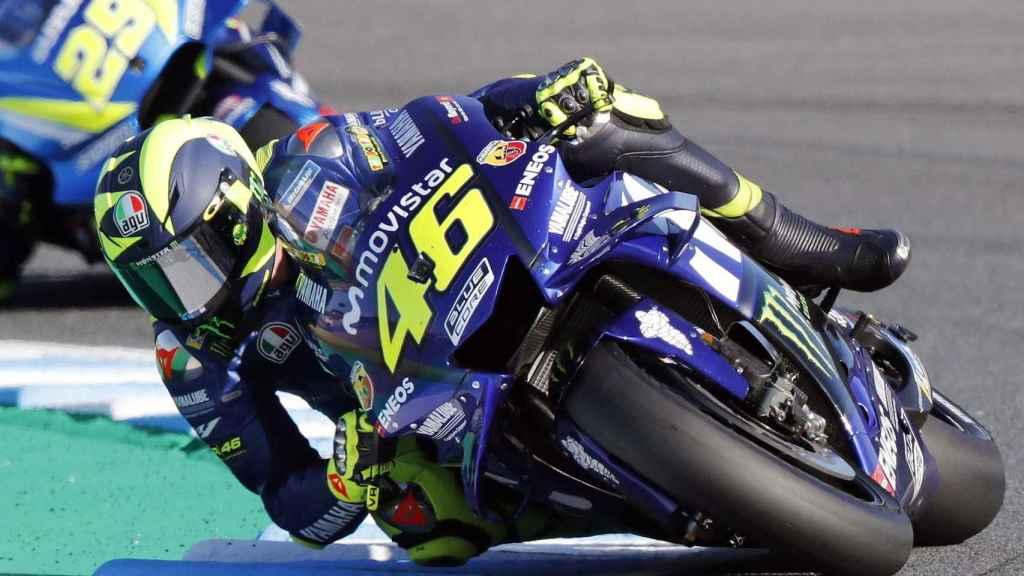 Valentino Rossi, del equipo Yamaha, patrocinado hasta este noviembre por Movistar.