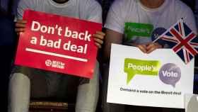 Manifestantes en Londres contra un mal acuerdo de 'brexit' y a favor de un nuevo referéndum.