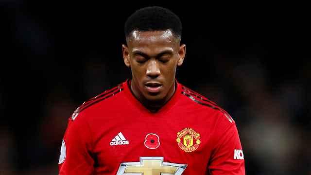 Martial, cabizbajo en un partido con el Manchester United