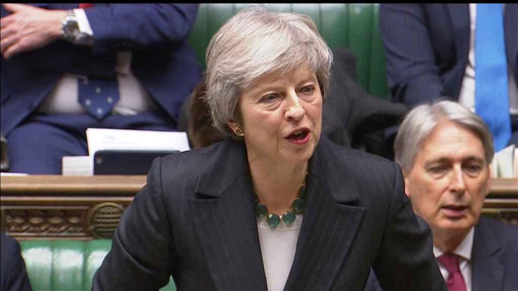 May hablando en el Parlamento.
