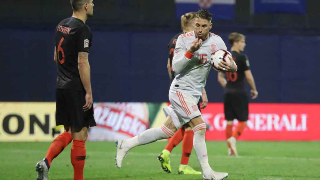 Ramos celebra el 2-2 ante Croacia.