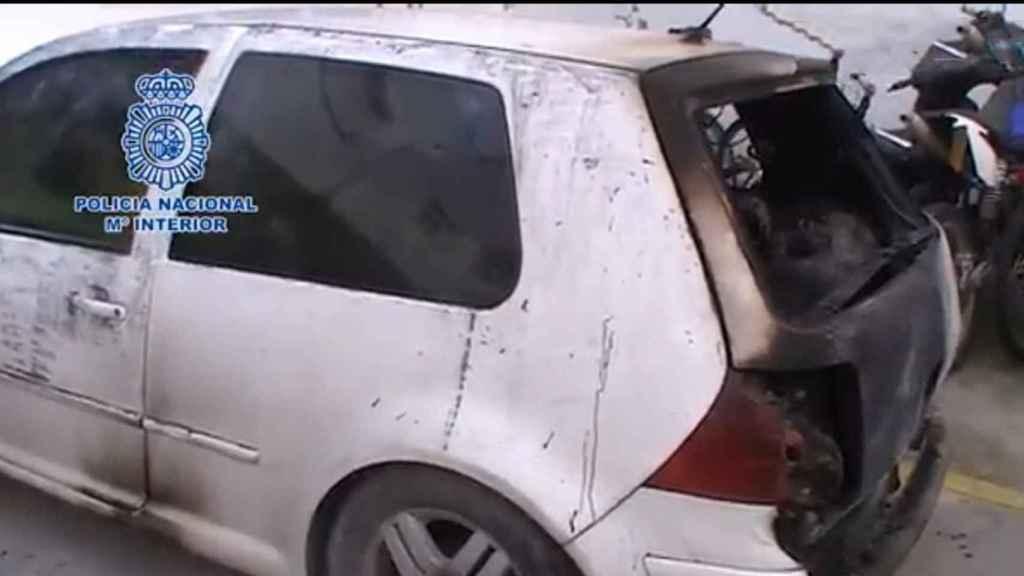 Coche de Ángel, el proxeneta que apareció con un tiro en la cabeza y calcinado en el interior de su propio vehículo.