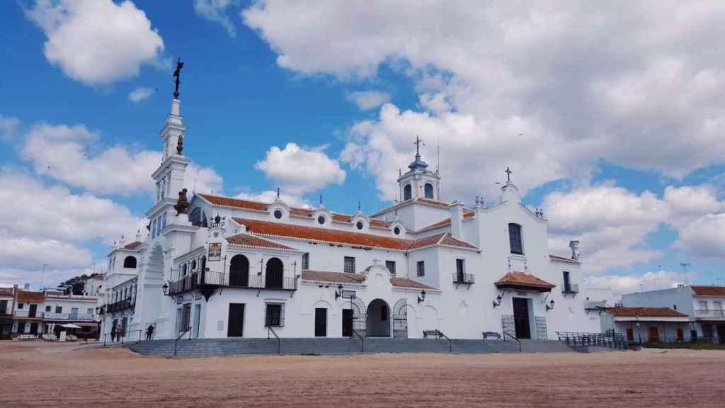 Rafael Antequera, que se quemó la cara cuando calcinó el cadáver de Ángel, se escondió en Almonte, donde se encuentra la aldea de El Rocío.