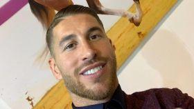 Sergio Ramos junto a una foto de 'Yucatán de Ramos'. Foto: Instagram (@sergioramos)