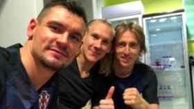 Lovren, en el vestuario de Croacia junto a Vida y Modric