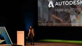 Ilse Verly, Senior Technical Sales de Autodesk, en el escenario de este evento anual de la compañía.