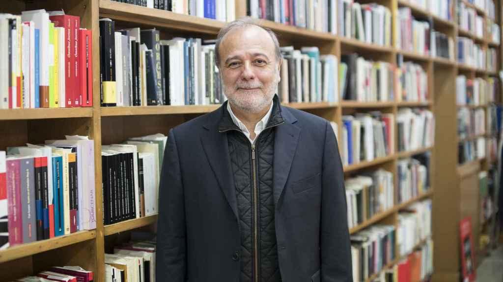 El diputado, en una librería del centro de Madrid.