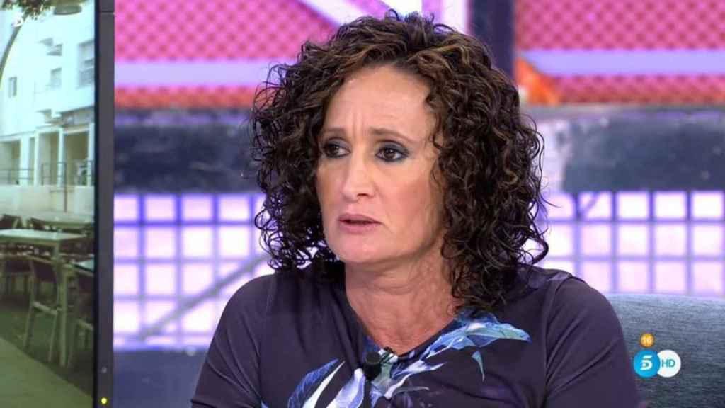 La exniñera sentada en el plató de Telecinco.