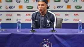 Kylian Mbappé, en rueda de prensa con la selección francesa. Foto: fff.fr