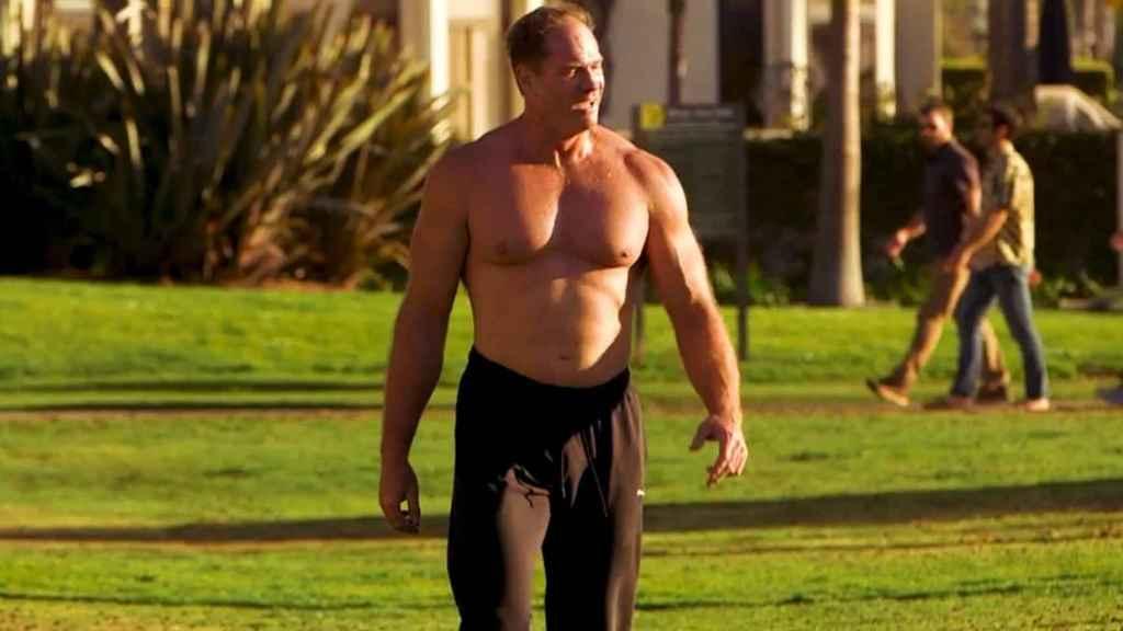 El doctor Shawn Baker: 51 años, dos metros y 115 kilos.