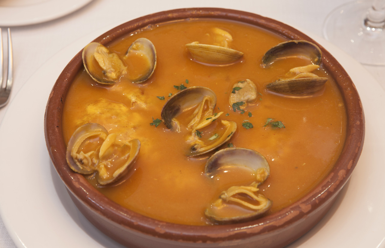 Las mejores tortillas de patata de Madrid - La Ancha_ Tortilla guisada con almejas