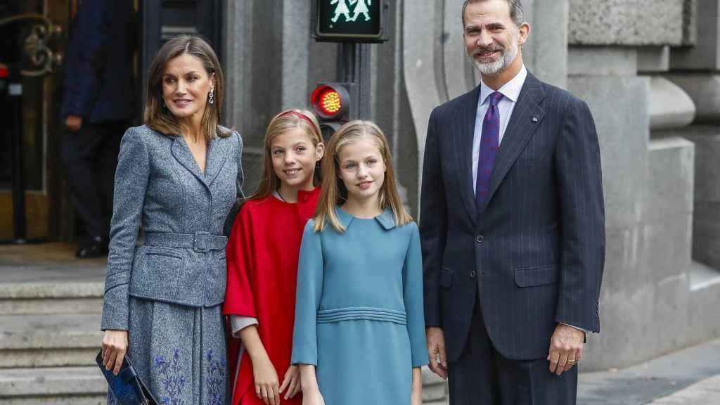 Letizia, Felipe VI y sus hijas Leonor y Sofía