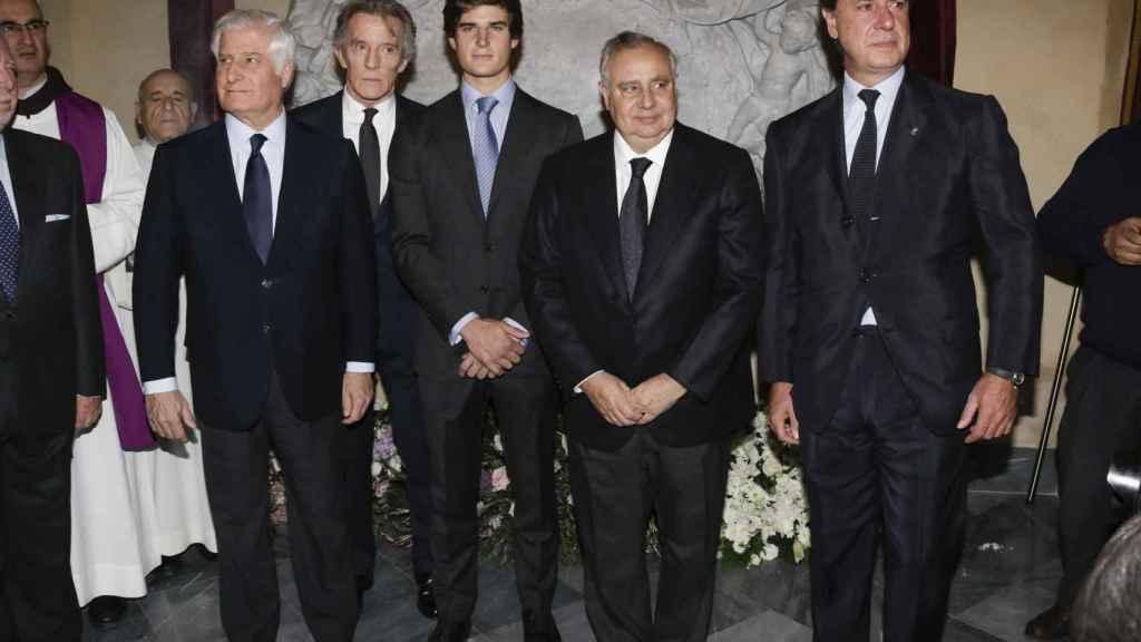 Carlos Martínez de Irujo, Alfonso Díez, Carlos Martínez de Irujo y Solís, Fernando Martínez de Irujo y Cayetano.