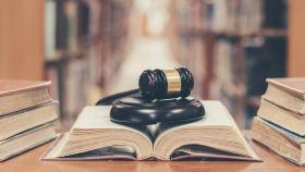 Todos los tipos de derecho, explicados con frases de madres