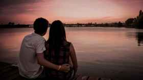 Si tu corazón palpita como una patata frita, puede ser amor