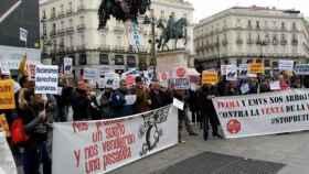 Protesta contra la venta de viviendas del Ivima./