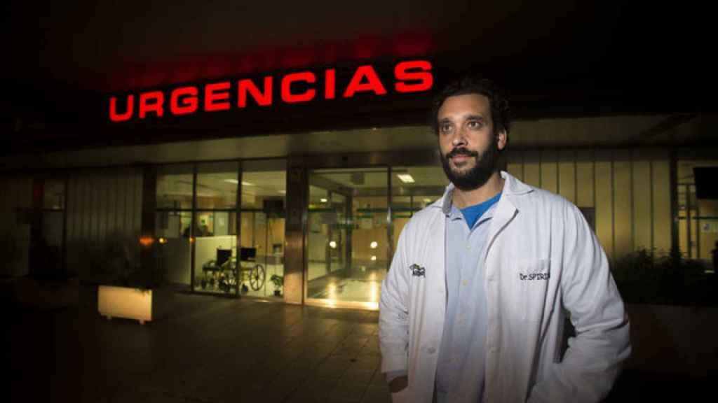 Jesús Candel (Granada, 1976), trabaja en las Urgencias del hospital Virgen de las Nieves de Granada