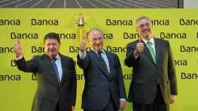 Rodrigo Rato (en el centro) el día de la salida a Bolsa de Bankia en 2011.