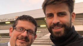 Gerard Piqué y su conductor de Cabify. Foto: Twitter (@3gerardpique)